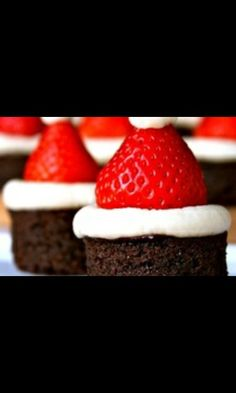 Uhmmmm um mini bolo de natal