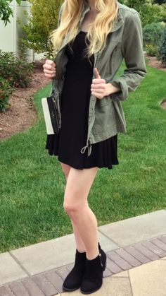 Fall ootd! Fall outfit inspiration! Black dress, green army jacket, black booties and kate spade clutch! What I wore fall.