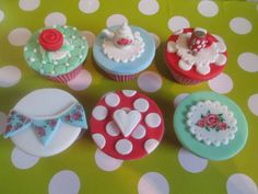 Cath kidston inspired cupcakes  Cake by SweetWishesCakeco