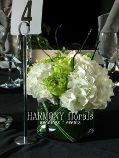 #green #white #hydrangea #roses #berries