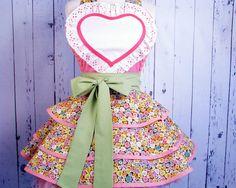 So sweet. I love aprons!