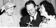 Eleanor Roosevelt and Art Linkletter with finalist Laura Rott - Pillsbury Bake-off cookbooks Art Linkletter, Bake Off Recipes, Michael Palin, Vintage Cooking, British Comedy, Classic Movie Stars, Monty Python, Pillsbury, Clint Eastwood