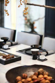 融创国宾壹号院样板间 New Chinese, Chinese Style, Dining Area, Dining Room, Table Manners, Table Set Up, Small Tables, Dinner Table, Home Living Room