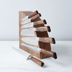 Best knife storage ideas, make a fuzzy cozy kitchen 35 Magnetic Knife Blocks, Magnetic Knife Holder, Messer Magnet, Articles En Bois, Wand Organizer, Knife Stand, Knife Storage, Wood Knife, Knife Sharpening