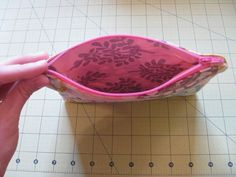 I know there are lots of zippered pouch tutorials out there, and they're great, but I haven't found one that explains how to make the end...