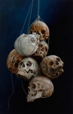 Easy skulls that would look great hanging from a tree... or the ceiling.