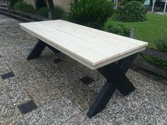 Buitentafel van steigerhout