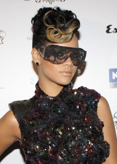 DIY: Rihanna Lace Glasses