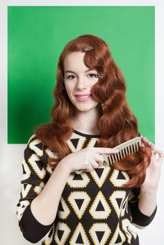 How To Rock 4 Awesome Vintage 'Dos! Once hair is dry and cool, release all of the pin curls. But, don't remove the flat clips securing your finger wave just yet! Gently comb through the ends of your hair — the flat clips will ensure that you don't pull out those beautiful C-shaped curls that are framing your face.