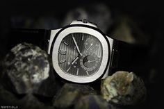 Patek Nautilus Moonphase 5712G-001 watch - for sale - Govberg via Perpetuelle