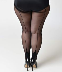 The seamed wardrobe staple every dame requires! A stunning set of plus size black pantyhose detailed with a black lined backseam and cuban foot. Plus Size, available while supplies last.The history of stockings and nylons with back seams, fully fashi Pantyhose Heels, Black Pantyhose, Big Girl Fashion, Curvy Women Fashion, Lingerie, Pantyhosed Legs, Fishnet Leggings, Big Legs, Sexy Legs