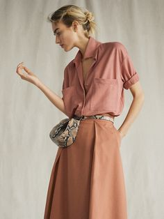 The most elegant new clothes for women at Massimo Dutti this Spring/Summer Discover the latest fashion trends in new shoes, jackets, pants or dresses. Latest Fashion For Women, Latest Fashion Trends, Massimo Dutti Online, Spring Summer 2018, Timeless Fashion, Fall Winter, Shirt Dress, Clothes For Women, Elegant