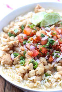 White Chicken Chili with fresh pico de gallo and rice. SUPER YUM! Perfect hearty dinner or football food! | littlebroken.com @littlebroken