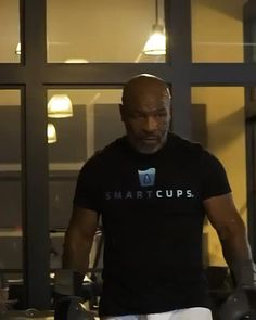 Mike Tyson Workout, Mike Tyson Training, Mike Tyson Boxing, Shred Workout, Kickboxing Workout, Cardio Gym, Martial Arts Workout, Martial Arts Training, Mike Tyson Video