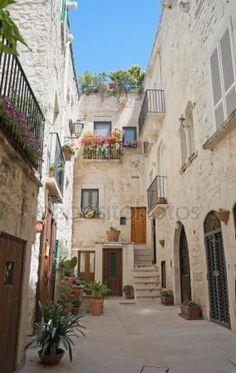 Vieille ville de Giovinazzo. Pouilles Image En Vente