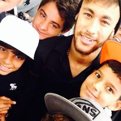 Neymar with fans at the opening of his new Instituto Projeto Neymar Jr / World Cup 2014, Play Soccer, Neymar Jr, My Hero, Fans, Heart, Image, Sports, Followers