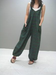 we love jumpsuit Fashion Mode, Diy Fashion, Ideias Fashion, Fashion Outfits, Womens Fashion, Diy Clothing, Sewing Clothes, Salopette Jeans, Cooler Look