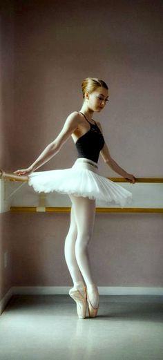 danseuse, tutu court blanc, white, pointe