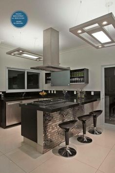 Browse photos of Small kitchen designs. Discover inspiration for your Small kitchen remodel or upgrade with ideas for organization, layout and decor. Kitchen Room Design, Luxury Kitchen Design, Best Kitchen Designs, Kitchen Cabinet Design, Home Decor Kitchen, Interior Design Kitchen, Kitchen Furniture, Home Kitchens, Modern Kitchen Cabinets