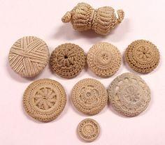 ButtonArtMuseum.com - Crochet and thread wrapped buttons