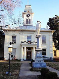 Van Buren, Arkansas Court House ::: ASU-BEEBE ::: Affordable Education Close to Home! ::: www.ASUB.edu ::: @ASUBeebe ::: #ASUBeebe