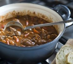 'Echte' Chili con carne uit Texas - I Love Food & Wine - Meat Recipes Meat Recipes, Wine Recipes, Gourmet Recipes, Mexican Food Recipes, Healthy Recipes, Cheap Clean Eating, Clean Eating Snacks, Texas Chili, Healthy Slow Cooker