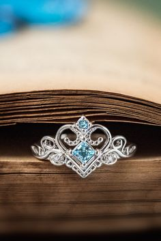 Find your fairytale with your very own princess tiara ring from Jewlr! Make your ring your own with your choice of metal, gemstones and engravings. Cute Rings, Pretty Rings, Beautiful Rings, Cute Jewelry, Jewelry Rings, Jewelry Accessories, Princess Tiara Ring, Promise Rings, Or Rose