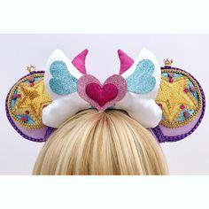 Rainbow Fist Punch !!! #starbutterfly #starbutterflycosplay #starvstheforcesofevil #customears #321glitterbug #disneystyle… Diy Disney Ears, Disney Diy, Disney Trips, Mickey Mouse Ears, Disney Mickey Mouse, Nerd Crafts, Fun Crafts, Stitch Ears, Disneyland Ears