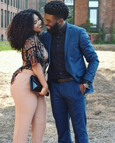 Every one really wants to as happy as they possibly can be with their partner. Have a look at these 33 things couples can do to build and sustain a happier and healthiest relationship. Black Love Couples, Dope Couples, Happy Couples, Beautiful Couple, Black Is Beautiful, Botas Sexy, Couple Relationship, Relationships, Couple Outfits