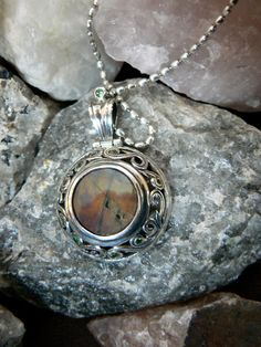 Peridot, Pocket Watch, Sapphire, Jewellery, Watches, Facebook, Silver, Accessories, Jewels