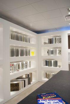 Porcelanosa Showroom by Rabaut Design Associates Kitchen Showroom, Tile Showroom, Bureau Design, Behr, Showroom Interior Design, Showroom Ideas, Bathroom Showrooms, Store Fixtures, Retail Space