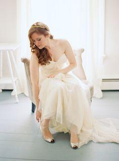 Bridal portrait: http://www.stylemepretty.com/2015/03/30/whimsical-pine-grove-wedding/ | Photography: Josh Gooden - http://www.joshgooden.com/