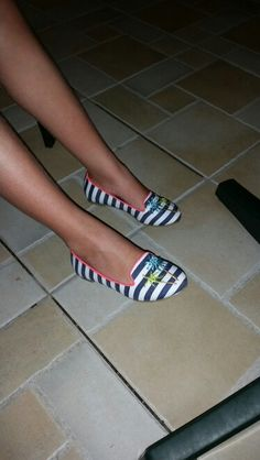 Stripy Shoes Cyprus Holiday, Pool Slides, Toms, Sandals, Sneakers, Fashion, Tennis, Moda, Shoes Sandals
