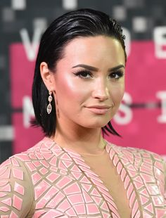 Recreate Demi Lovato's wet hairstyle in a matter of minutes, with one product
