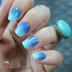 Uñas decoradas con degradado turquesa y purpurina | Reto #SumerNails Sirena