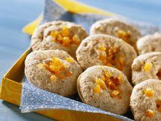 Mandeltaler mit Orangeat ist ein Rezept mit frischen Zutaten aus der Kategorie Plätzchen. Probieren Sie dieses und weitere Rezepte von EAT SMARTER!