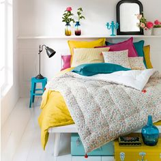 Add a touch of cosy French chic to your home with bedding, bedspreads & throws from La Redoute. Small Room Bedroom, Home Bedroom, Bedroom Decor, Blue Yellow Bedrooms, Interior Flat, Rainbow Bedroom, Guest Bedrooms, Bed Spreads, Comforter Sets