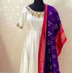 Long Skirt Top Designs, Long Dress Design, Dress Designs, Long Gown Dress, Anarkali Dress, White Anarkali, Anarkali Suits, Dress Skirt, Mode Bollywood