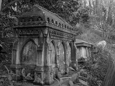 Gothic tombs in decay, Arnos Vale Cemetery, Bristol. Well there's Highgate on the one side, and on the other side is this cemetery! Cemetery Monuments, Cemetery Statues, Cemetery Headstones, Old Cemeteries, Cemetery Art, Graveyards, Angel Statues, Gothic, Catacombs