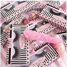Yes Starter Kits are back for the weekend!! 8 lashes for only $55 Retails for $65 Shopvioletvoss.com Pic: @trendmood1