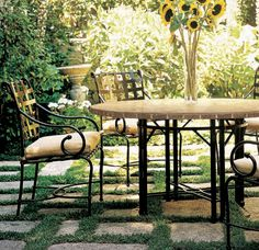 Lunch In The Garden With Dining Chairs And Table From The Florentine  Collection By Brown Jordan
