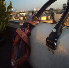 Wonderful use of our 'The Death of Major Peirson' pocket square on a Kate Spade handbag #style #luxury