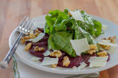 Sous Vide Balsamic Beets // The sweetness of the beets is a perfect balance for the acidity of the vinegar. New Recipes, Cooking Recipes, Favorite Recipes, Sous Vide Vegetables, Bbq Turkey, Root Veggies, Pickled Beets, Sous Vide Cooking, Kitchens