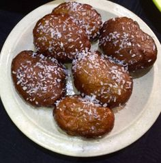 Bo-Kaapse Koeksisters – Recipes on the Go Fun Baking Recipes, Cookie Recipes, Dessert Recipes, Oven Recipes, Bread Recipes, Koeksister Recipe South Africa, Koeksisters Recipe, South African Desserts, South African Recipes