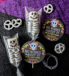 No Bones About It—You're a Sweet Friend: Marshmallow and Pretzel Skeletons - Just Add Confetti - marshmallow and pretzel skeletons, no bones about it, Just Add Confetti, free printable, day of the - Spooky Halloween, Halloween Treats For Kids, Halloween Goodies, Theme Halloween, Holidays Halloween, Halloween Sweets, Preschool Halloween Party, Diy Halloween Party Decorations, Spooky Treats