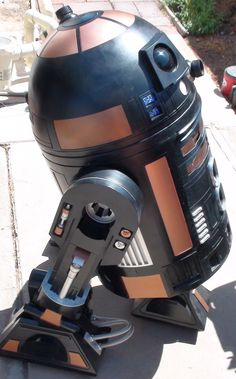 red's Droids: R2-Q5 is Done!