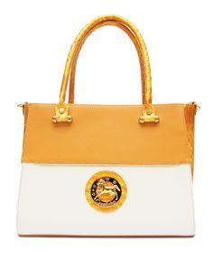 Acabe a semana com uma mala da nova coleção!  Finish the week with a handbag from the new collection! Ref: 1020012 