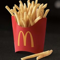 Snacks & Sides: French Fries & More Snack Foods Mcdonalds Happy Meal, Mcdonalds Food Menu, Mcdonalds Fries, Mcdonald French Fries, Cancer Causing Foods, Beef Goulash, Eating Fast, Fries Recipe, Meals
