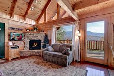 God's Gift - Phenomenal view! This 3 bedroom cabin has 3 levels and everything you will need on your Smoky Mountain vacation!