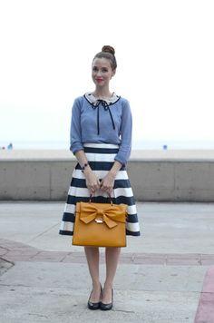 One of our fav. Nila Anthony purses just look great with Mara's nautical themed look! Cruise anyone? @Mara